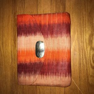 Brand new lucky brand clutch perfect for summer